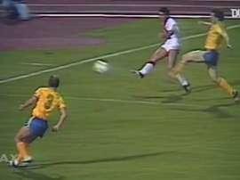 33 anos do primeiro grande título de Cruyff como treinador. DUGOUT