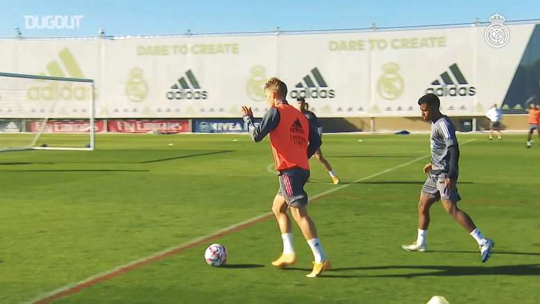 High-intensity training ahead of the Champions League. DUGOUT