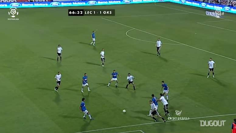 Il gol al debutto di Lewandowski nel campionato polacco. Dugout