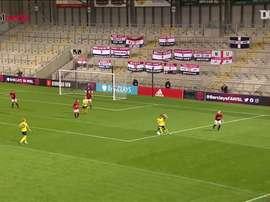 Van de Donk offre la victoire à Arsenal contre United. dugout