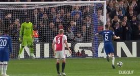 Jorginho podría salir del Chelsea en los próximos días. Captura/DUGOUT