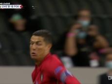 Ronaldo a quota 100 goal. Dugout