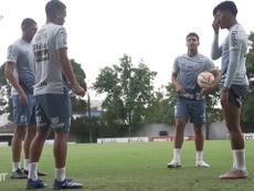 Last training session of Santos before match vs LDU. DUGOUT