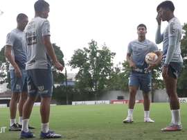 Last training session of Santos before match vs LDU. DUGOUT