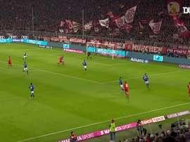 Lewandowski faz sua temporada com mais gols pelo Bayern. DUGOUT
