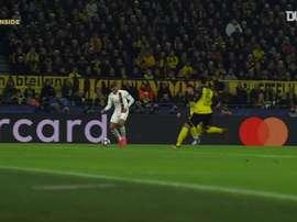Retour sur les buts du PSG face à Dortmund. dugout