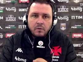 Thiago Kosloski, auxiliar técnico do Vasco, analisou a derrota contra o Coritiba. DUGOUT