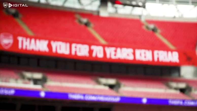 Bastidores do título do Arsenal sobre o Chelsea em Wembley. DUGOUT