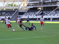 Hona marcou seu primeiro gol pelo Botafogo em pênalti contra o Bangu. DUGOUT