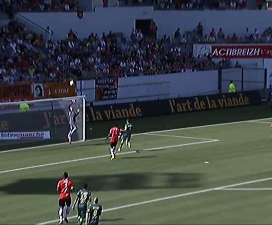 Le superbe but de Veigneau face à Lorient. DUGOUT