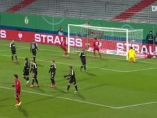 Le superbe coup franc de Leroy Sané contre Holstein Kiel. dugout