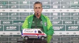 Jorginho fala da troca de Robson por Sabino na cobrança de pênalti. DUGOUT