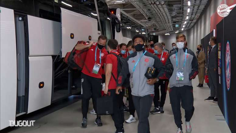 Behind the scenes of Bayern's arrival for the European Super Cup. DUGOUT