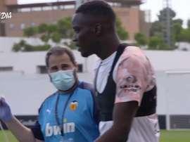 As rigorosas medidas de segurança do Valencia. DUGOUT