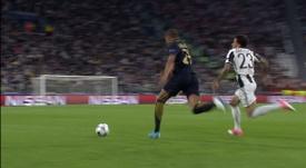 Melhores momentos de Daniel Alves na Juventus. DUGOUT