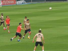Real Madrid practised ball retention and shooting practice during training. DUGOUT