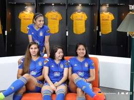 Tigres Femenil recreate the famous intro. DUGOUT