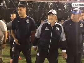 Maradona, agasajado en casi cada campo que ha visitado. DUGOUT