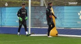 VÍDEO: así se preparan Diego López y Oier. DUGOUT