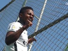 Cazares chegou ao Corinthians para vestir a camisa 10. DUGOUT