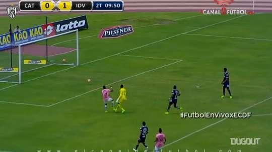 Adrián Bone envió el balón medido hacia Felipe Mejías. DUGOUT