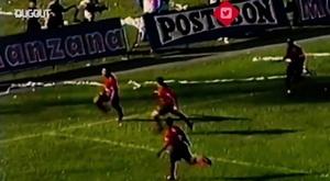 Choronta Restrepo marca um gol incrível. DUGOUT