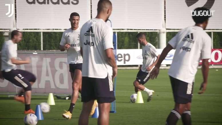 Juventus treina para estreia no Campeonato Italiano. DUGOUT