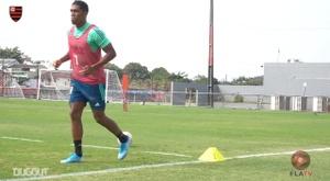Flamengo treina finalização no Ninho do Urubu. DUGOUT