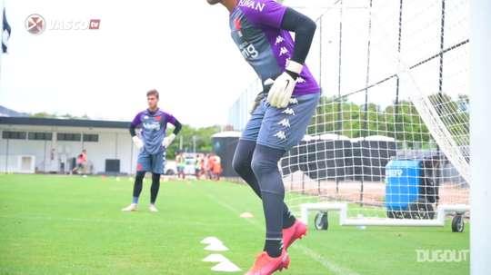 inspirado em Neuer, Lucão vibra com chance como titular do Vasco. DUGOUT