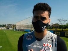 Léo Santos fala sobre recuperação e volta aos treinos no Corinthians. DUGOUT