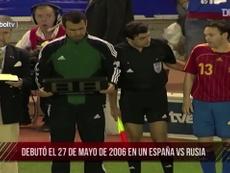 Les débuts internationaux d'Iniesta. DUGOUT