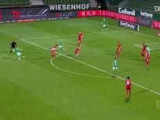 Neuer foi fundamental para a oitava conquista seguida do Bayern de Munique na Bundesliga. DUGOUT