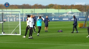 L'allenamento di Neymar prima del Lipsia. Dugout