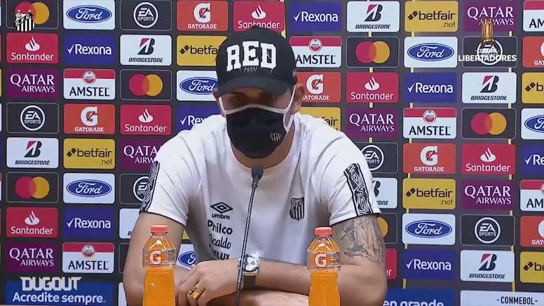 João Paulo falou após a vitória do Santos sobre o Olimpia pela Libertadores. DUGOUT