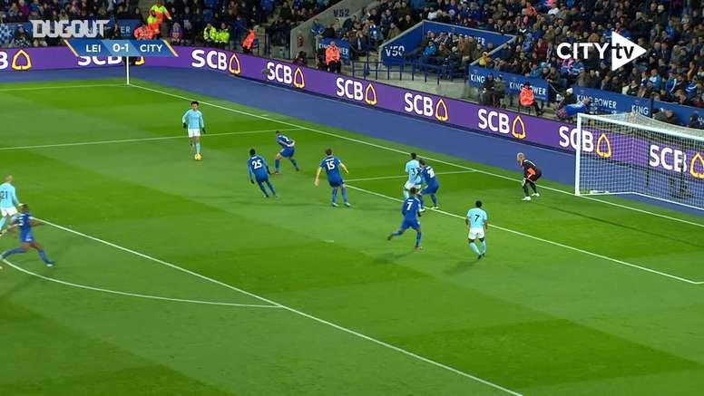 Kevin De Bruyne marcou um de seus gols mais bonitos em 2017, contra o Leicester. DUGOUT
