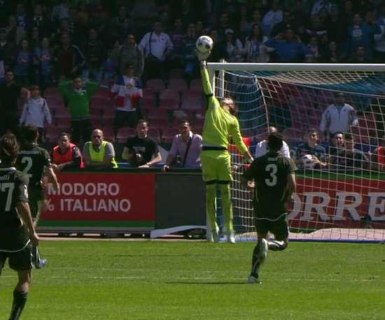 Cavani scored a hat-trick in a seven goal thriller v Lazio. DUGOUT