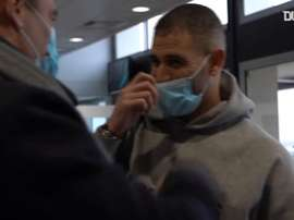 Islam Slimani's arrival at Lyon. DUGOUT
