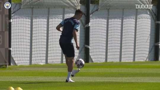 Manchester City finaliza preparação para duelo contra o Lyon. DUGOUT