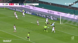 Jeonbuk got an easy 3-0 victory over Seoul. DUGOUT