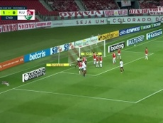 Fluminense beat Internacional with the help of a goal straight from a corner. DUGOUT