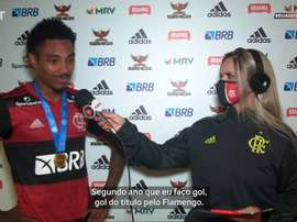 Vitinho comemora ter marcado mais um gol decisivo na final do Carioca. DUGOUT