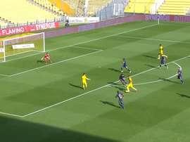 Le superbe but en solitaire de Blas contre Brest. Dugout