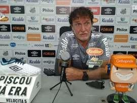 Cuca compara mudanças da passagem de 2018 para a atual no Santos. DUGOUT