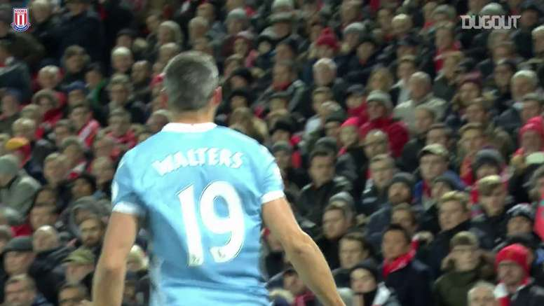 La tête de Jon Walters contre Liverpool. DUGOUT