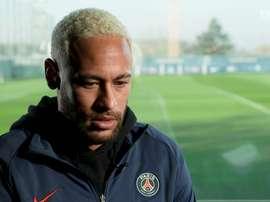 Neymar falou sobre craque argentino. DUGOUT