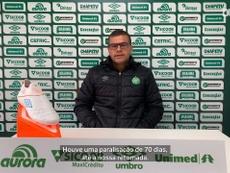 Umberto Louzer expica preparação da Chapecoense. DUGOUT