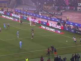 Naples remporte la Coupe d'Italie contre la Juventus en 2012. DUGOUT