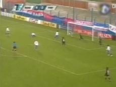 Luis Suárez's first professional goal. DUGOUT