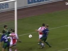 Grandes momentos de Benni McCarthy com a camisa do Ajax. DUGOUT