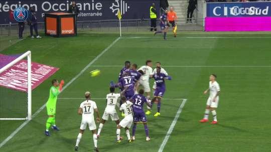 Le superbe réflexe d'Areola contre Toulouse. DUGOUT